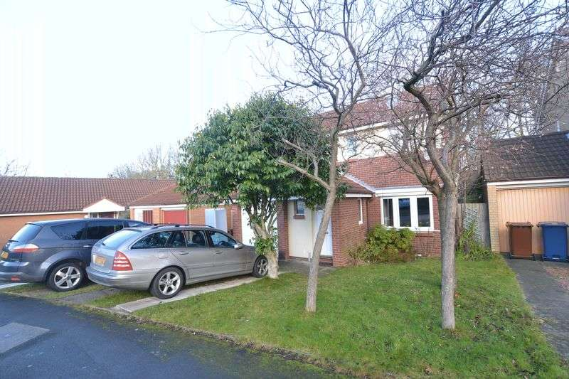 4 Bedrooms Detached House for sale in Daylesford Drive, Newcastle Upon Tyne