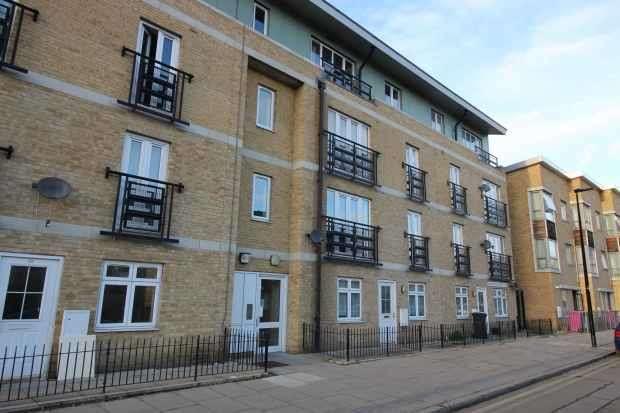 2 Bedrooms Flat for sale in Broomfield Street, Poplar, Greater London, E14 6BX