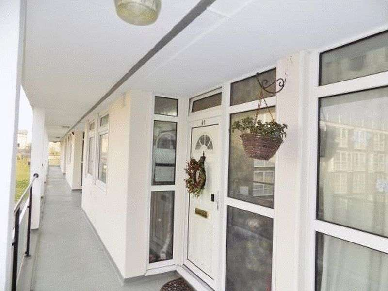 3 Bedrooms Property for sale in Kiln Place, NW5 4AJ