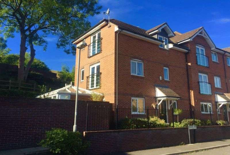 4 Bedrooms House for sale in Rugby Rise, High Wycombe