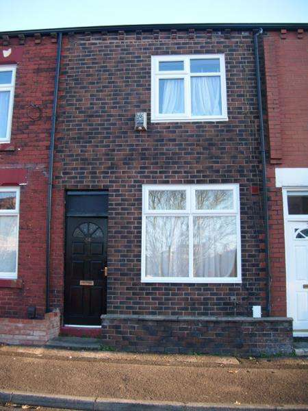4 Bedrooms Terraced House for rent in Tavistock Road, Bolton, BL1