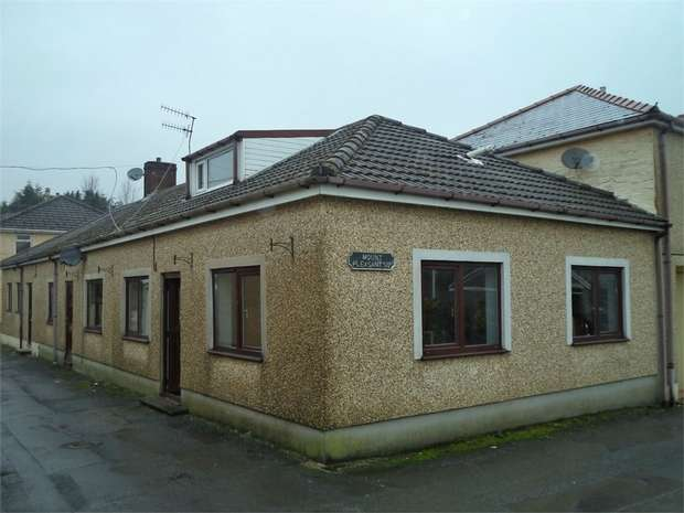 2 Bedrooms Semi Detached Bungalow for sale in Mount Pleasant Square, Ebbw Vale, Blaenau Gwent