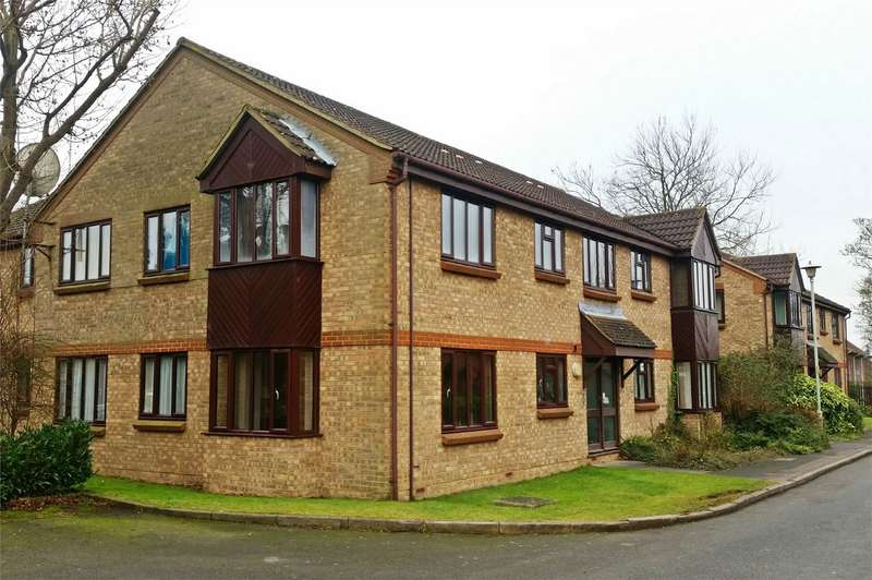 2 Bedrooms Flat for sale in Duncan Close, WELWYN GARDEN CITY, Hertfordshire