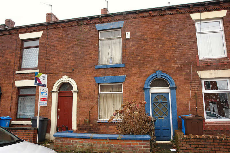 2 Bedrooms Terraced House for sale in 23 Esther Street, Oldham