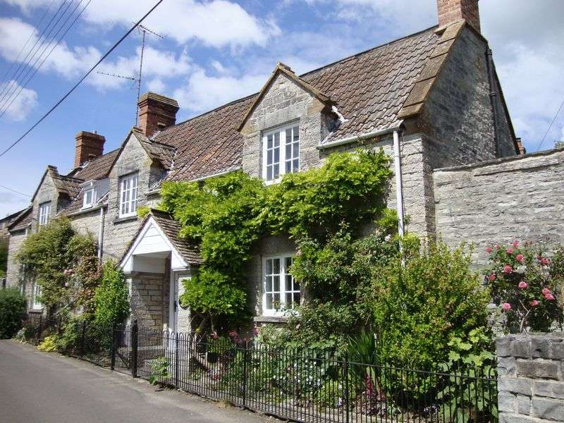 3 Bedrooms Detached House for sale in Pesters Lane, Somerton