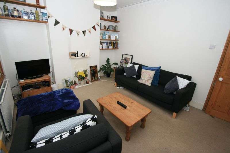 2 Bedrooms Flat for sale in COLLEGE ROAD, LONDON. NW10