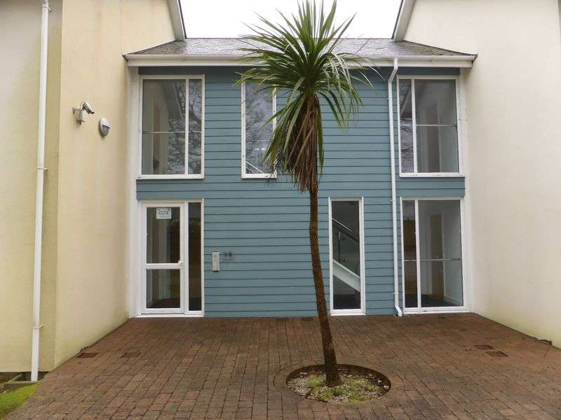 1 Bedroom Flat for sale in Treliever Road, Penryn