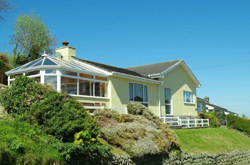 3 Bedrooms Detached Bungalow for sale in Grattons Drive, Lynton