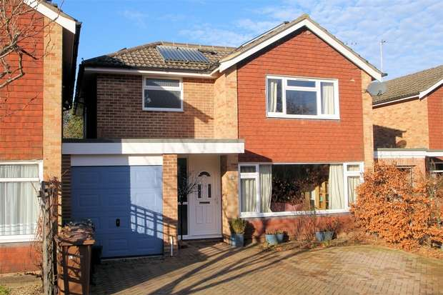 3 Bedrooms Detached House for sale in Ripley, Woking, Surrey