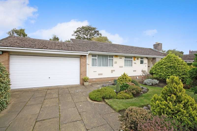 3 Bedrooms Detached Bungalow for sale in Worthing Close, Birkdale, Southport