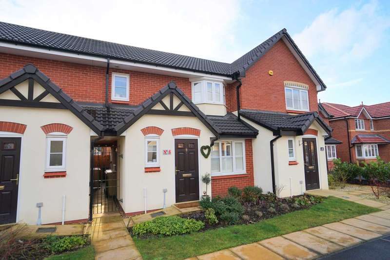 2 Bedrooms Town House for sale in Raleigh Close, Horwich