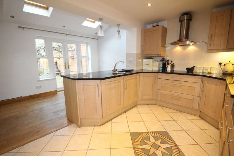 4 Bedrooms Detached House for sale in Mill Meadow, Fairford Leys