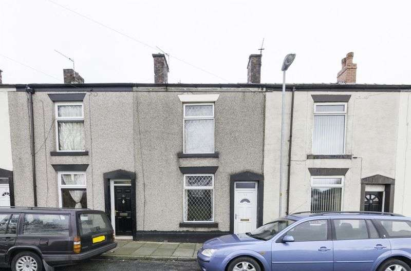 2 Bedrooms Terraced House for sale in Wild Street, Heywood
