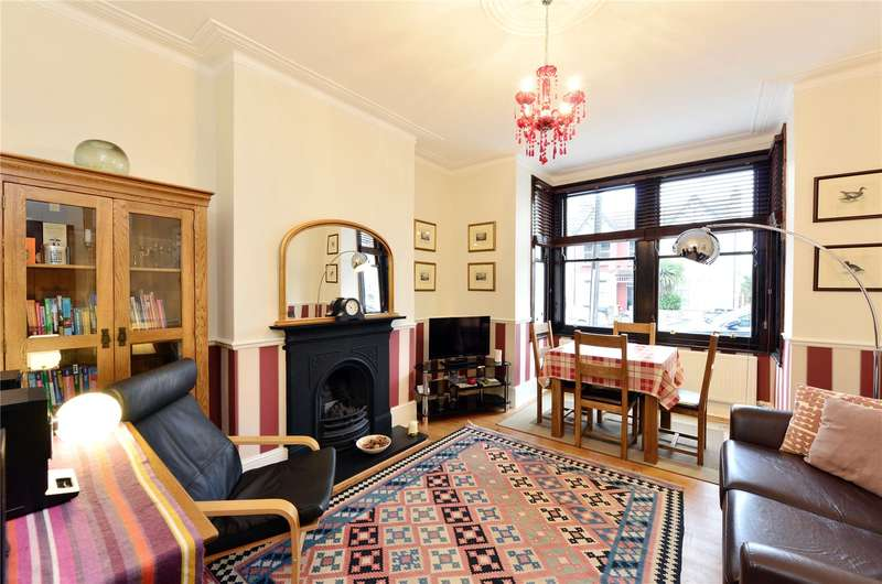 2 Bedrooms Apartment Flat for sale in York Road, London, N11