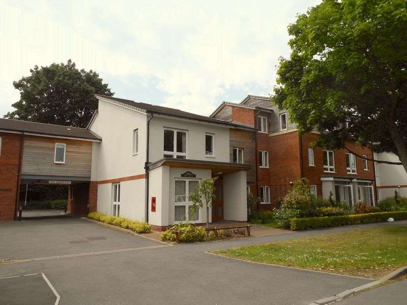 1 Bedroom Flat for sale in Awdry Court St. Nicolas Gardens: MUST BE VIEWED - EXCELLENT CONDITION - Retirement apartment