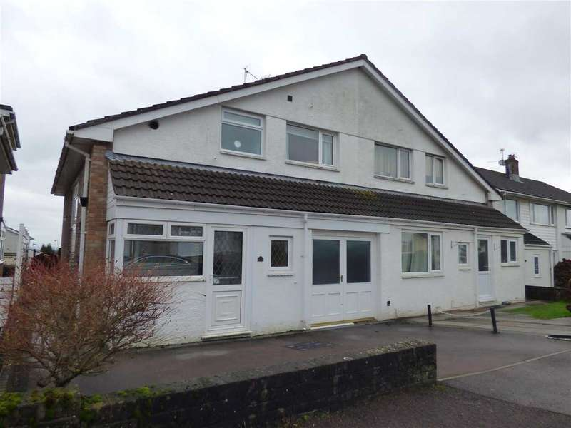 3 Bedrooms Semi Detached House for sale in Normandy Way, Chepstow