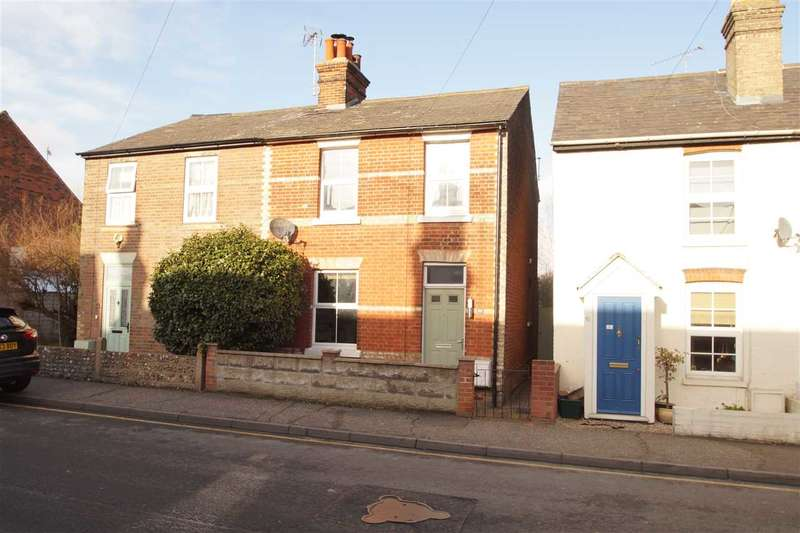 3 Bedrooms Semi Detached House for sale in Bergholt Road, Colchester