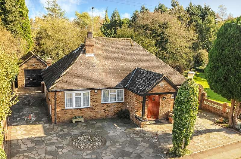 3 Bedrooms Bungalow for sale in Old Uxbridge Road, West Hyde, Hertfordshire, WD3