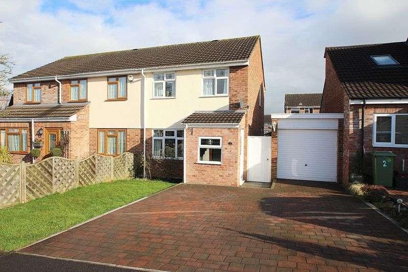 3 Bedrooms Semi Detached House for sale in Merrick Road, Glastonbury