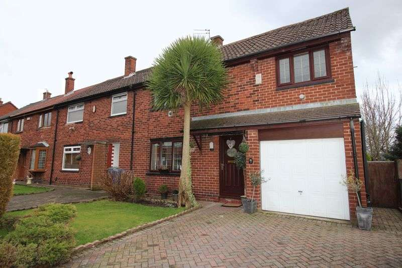 4 Bedrooms Semi Detached House for sale in Morley Road, Radcliffe, Manchester M26