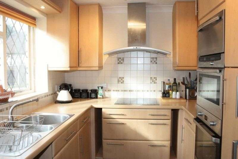 2 Bedrooms Terraced House for sale in Paley Street, Maidenhead