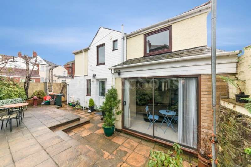 2 Bedrooms Detached House for sale in Beresford Road, Off Corporation Road, Newport . NP19 0AU