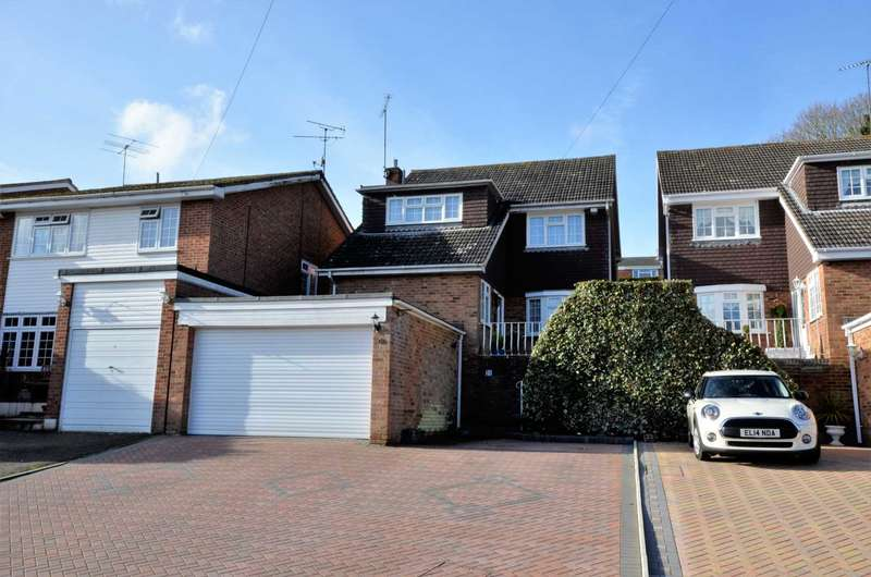 4 Bedrooms Detached House for sale in Glenside, Billericay