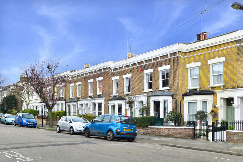 3 Bedrooms Terraced House for sale in Wyatt Road, N5 2JU