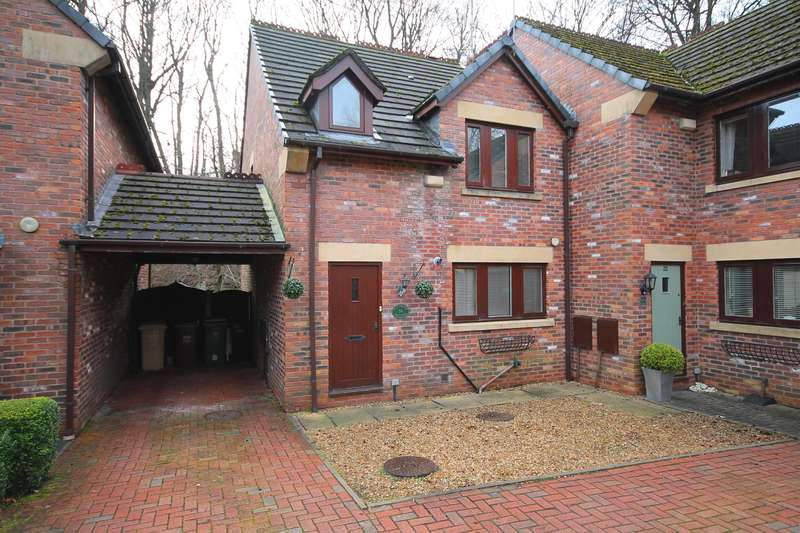 3 Bedrooms Semi Detached House for sale in Whitsters Hollow, Smithills, Bolton, BL1 6TY