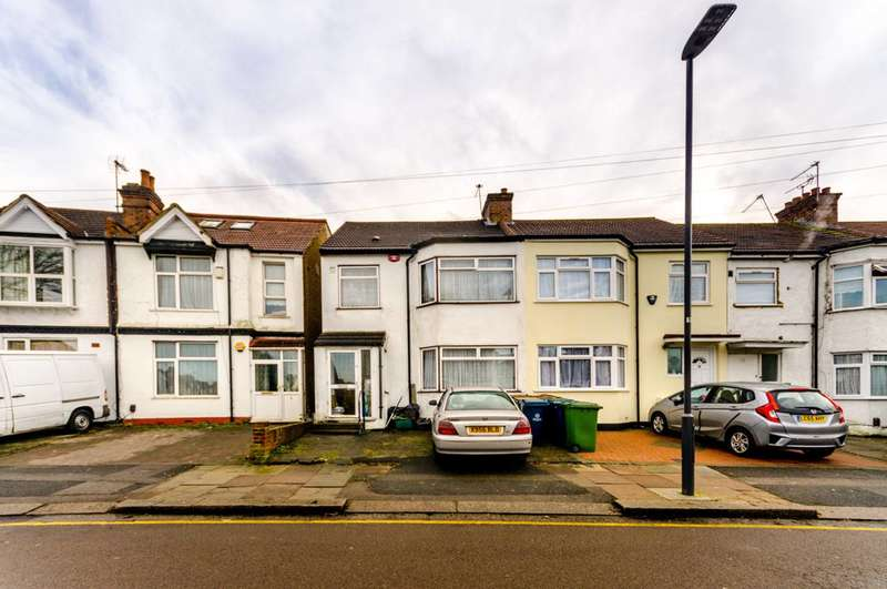 4 Bedrooms Semi Detached House for sale in Kingsley Road, South Harrow, HA2
