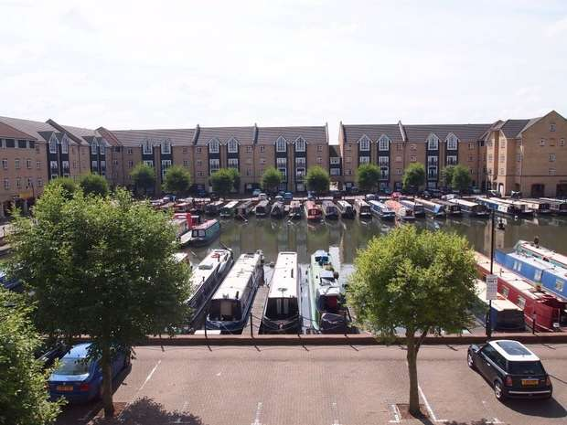 2 Bedrooms Flat for sale in Evans Wharf, Apsley Lock, Hemel Hempstead, Hertfordshire