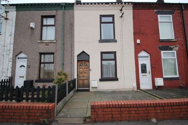 2 Bedrooms Terraced House for sale in Crescent Road, Bolton, BL3