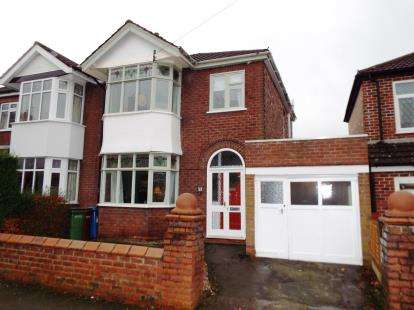 3 Bedrooms Semi Detached House for sale in Park Avenue, Romiley, Stockport, Greater Manchester