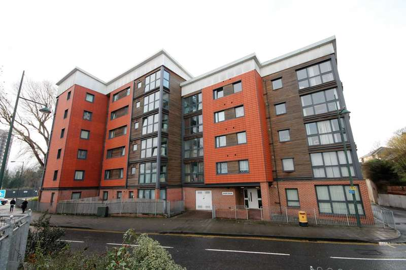 2 Bedrooms Apartment Flat for sale in West Street, Erith