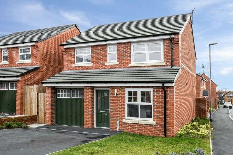 3 Bedrooms Detached House for sale in Hopefield Drive, Salford
