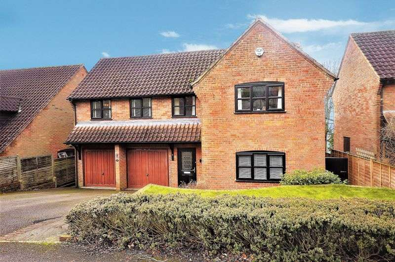 5 Bedrooms Detached House for sale in Loosley Row