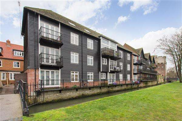 2 Bedrooms Apartment Flat for sale in Sterling Court, Canterbury