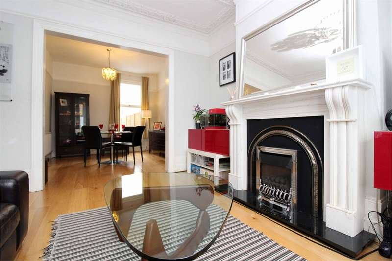 3 Bedrooms Terraced House for sale in Whittington Road, Bounds Green, London