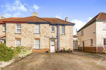 4 Bedrooms Semi Detached House for sale in Newton Abbot, Devon, England