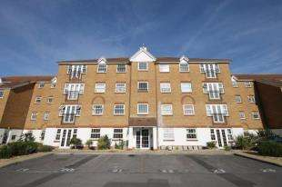 2 Bedrooms Flat for sale in Waters Edge, Anchor Close, Shoreham-By-Sea, West Sussex