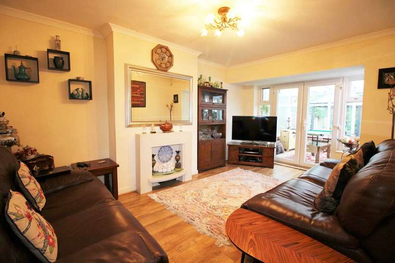 2 Bedrooms Bungalow for sale in Ogden Road, Failsworth