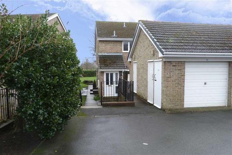 2 Bedrooms Property for sale in 41, Kirkwood Drive, Lindley, Huddersfield