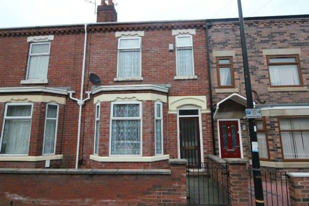 3 Bedrooms Terraced House for sale in Wilson Street, Stretford, Manchester