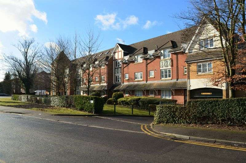 2 Bedrooms Flat for sale in Burnham Heights