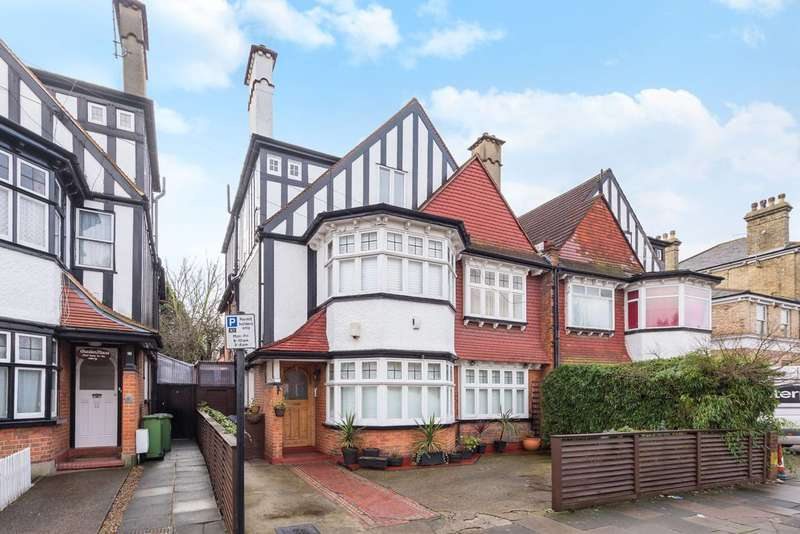 2 Bedrooms Flat for sale in Acacia Road, Poet's Corner, W3