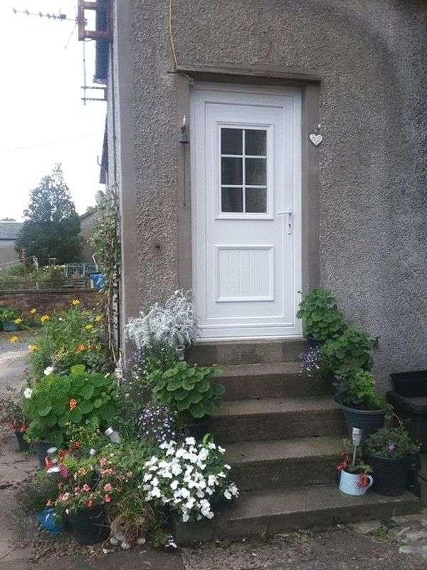 2 Bedrooms Flat for sale in Holmhead, Kilbirnie