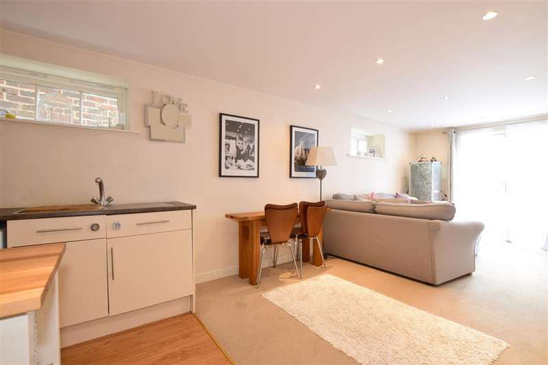 1 Bedroom Apartment Flat for sale in Southgate, Chichester, West Sussex