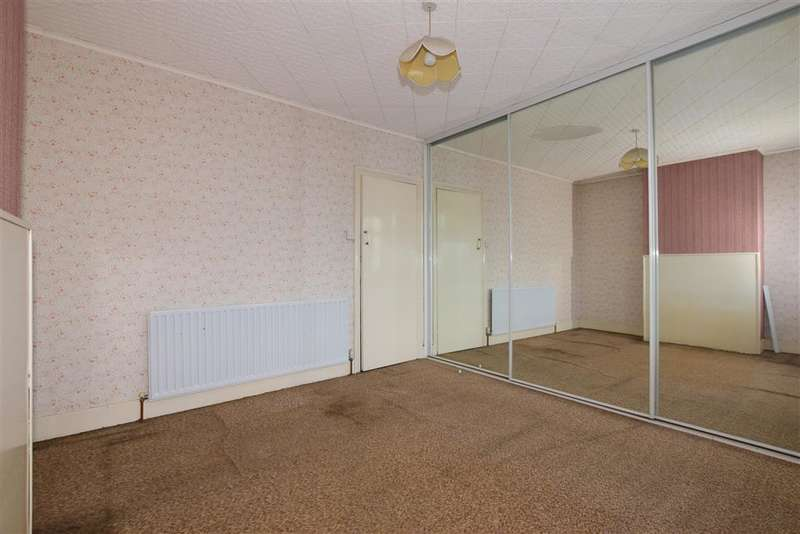 3 Bedrooms Terraced House for sale in Cuxton Road, Strood, Rochester, Kent