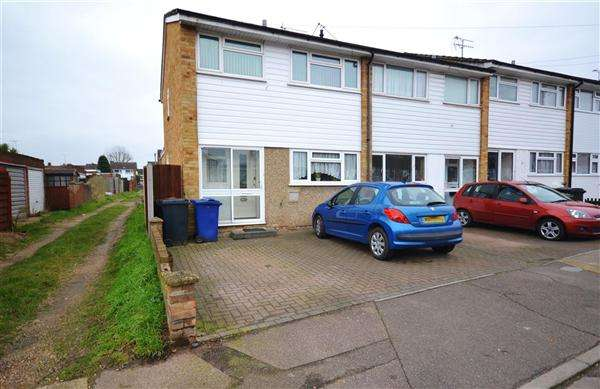 3 Bedrooms End Of Terrace House for sale in Nunns Way, Grays