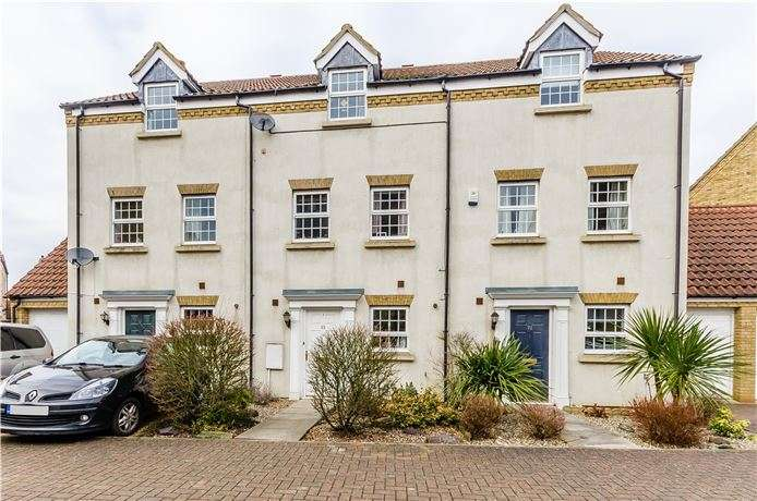 4 Bedrooms Town House for sale in Alexander Chase, Ely